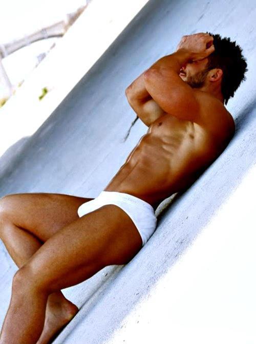 hot-guy-on-the-beach