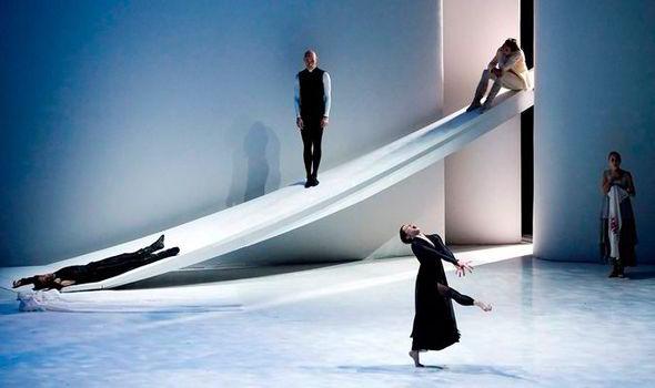Les-Ballets-De-Monte-Carlo-London-Coliseum-dance-review-Jeffery-Taylor-574512
